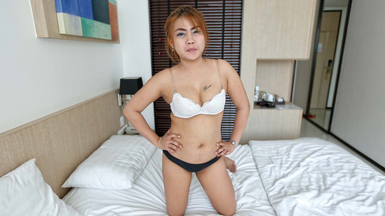 image Thai whore in hotel rom