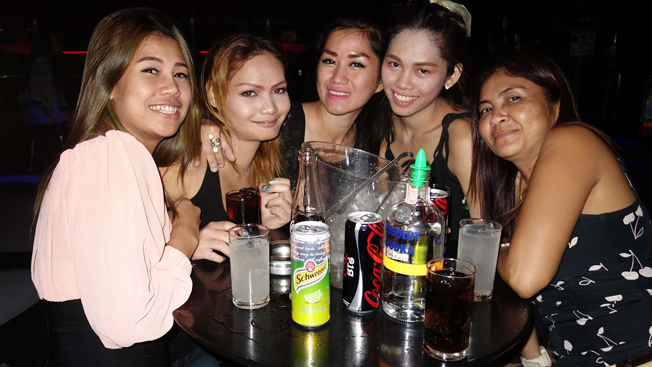 Bangkok homecoming party with hot Thai girls