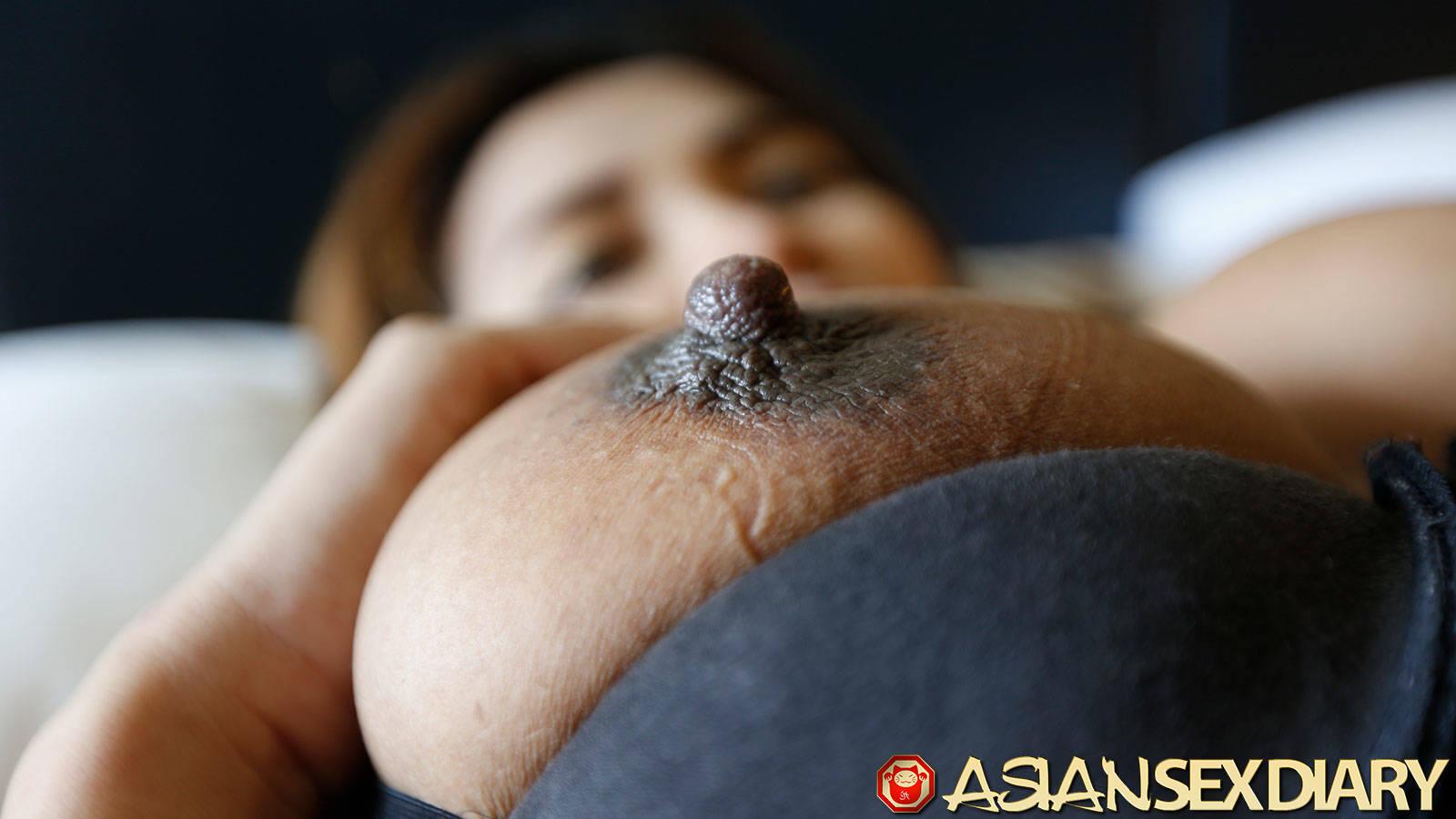 Ebony Big Tits Big Nipples