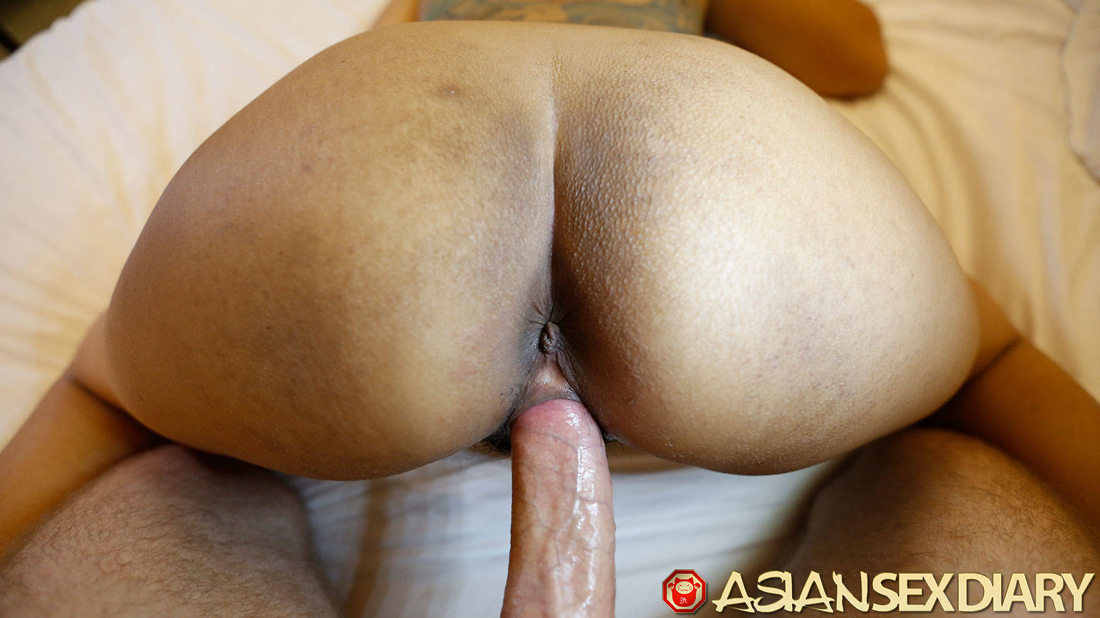 squirting into pussy